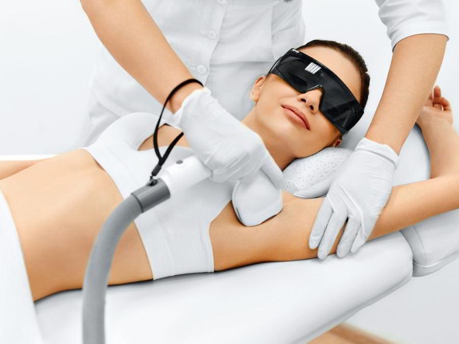 Skuteczne zabiegi depilacji laserowej